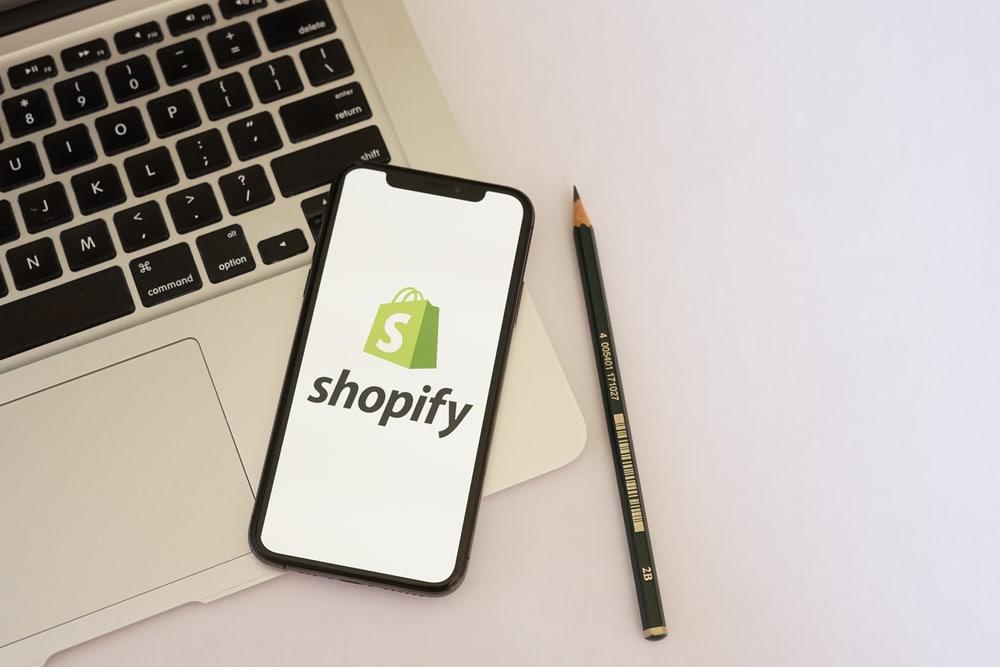 Hoe je de klantenservice voor jouw Shopify webwinkel kunt uitbesteden